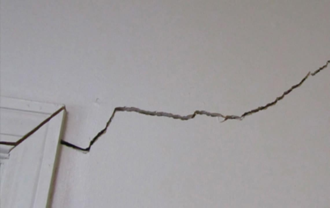 crack in walls