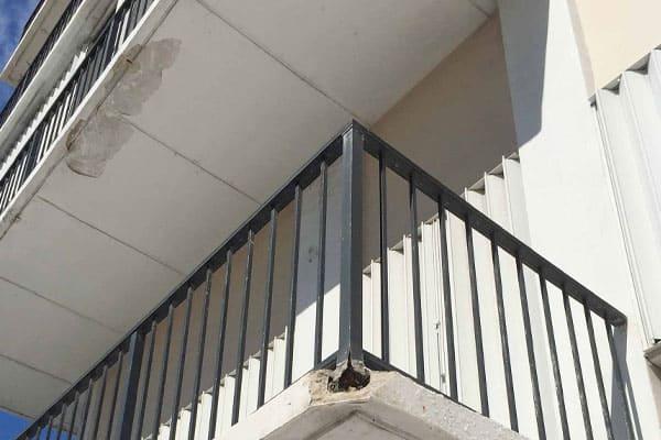 balcony crack