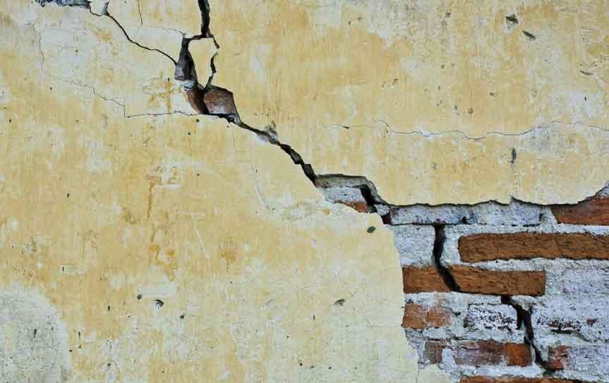 historic home crack